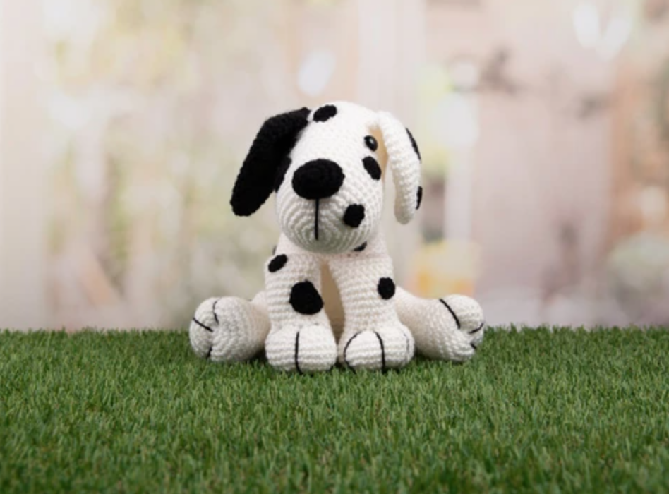 Amigurumi Dakota the Dalmatian Dera-Dogs Crochet Kit and Pattern - Start Crochet