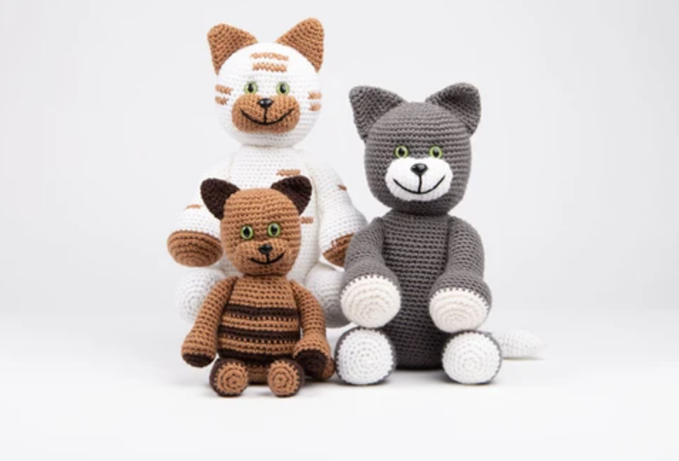 Dera-Cats Family Crochet Kit and Pattern - Start Crochet