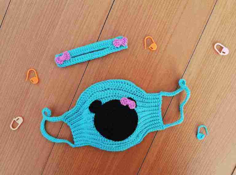 Crochet Minnie Mouse Face Mask Love Crafts Start Crochet (1)